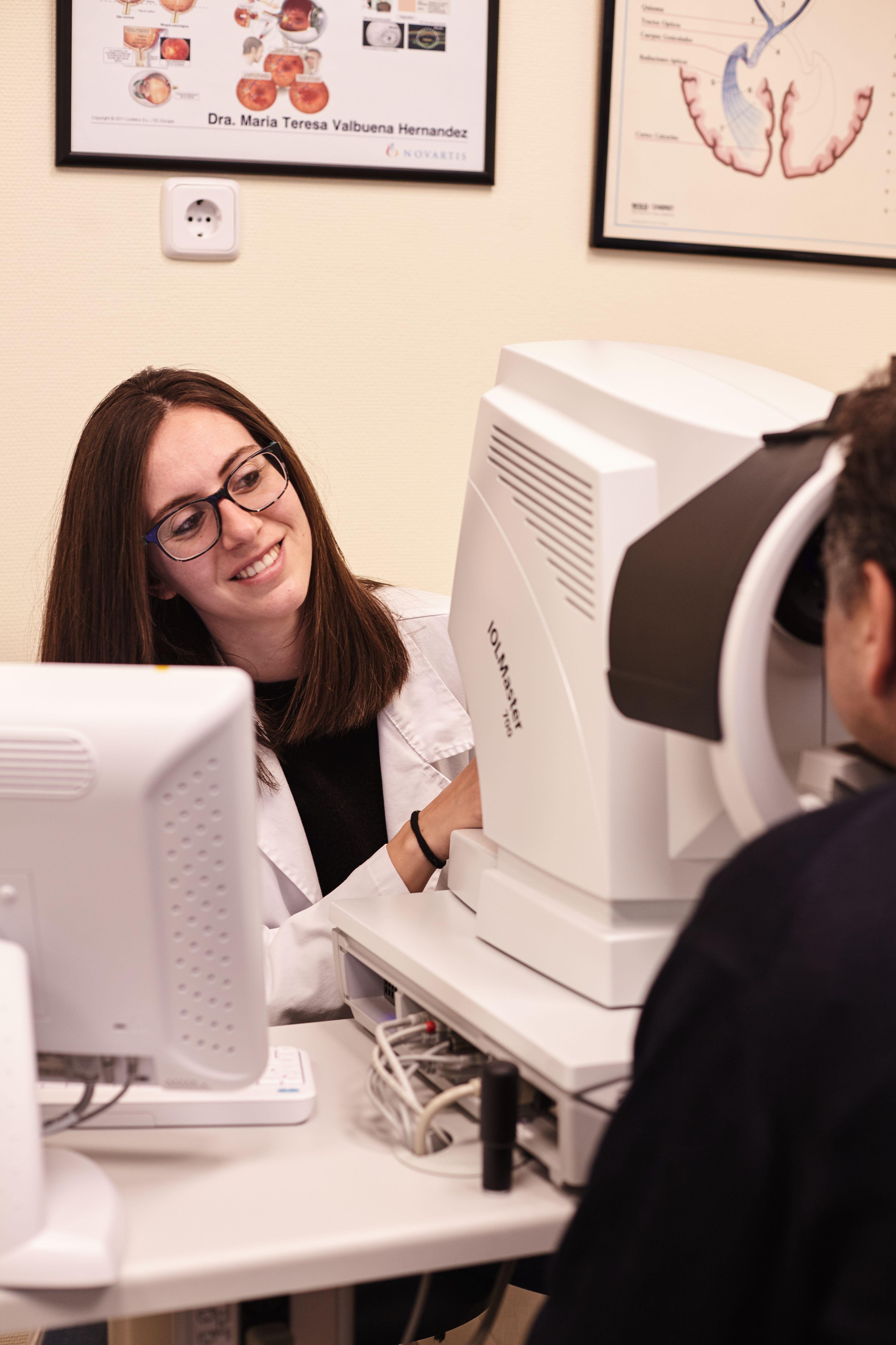 8386354d95 Gran experiencia en cirugía oftalmológica general, cirugía plástica ocular  y cirugía oftalmológica pediátrica.