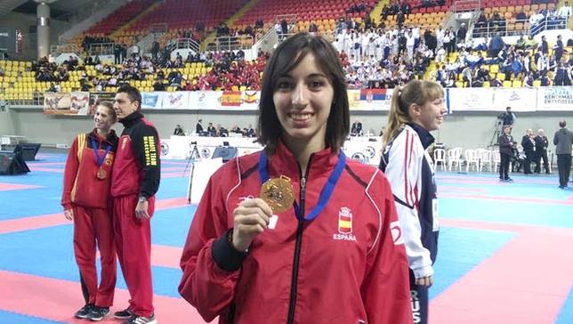 Maria Espinosa Karate Rotura LCA